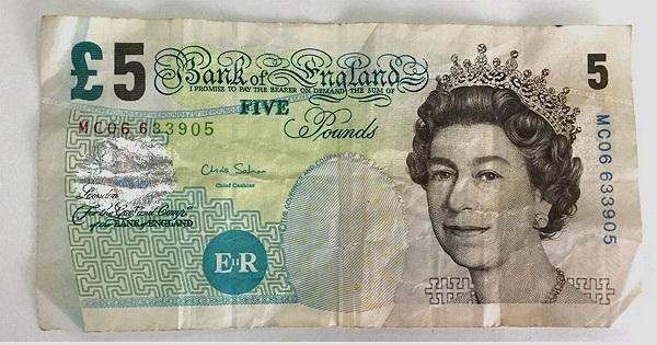 Billete antiguo de 5 libras del banco de Inglaterra