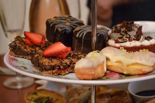 Dulces del afternoon tea en Casa Angelina en Edimburgo
