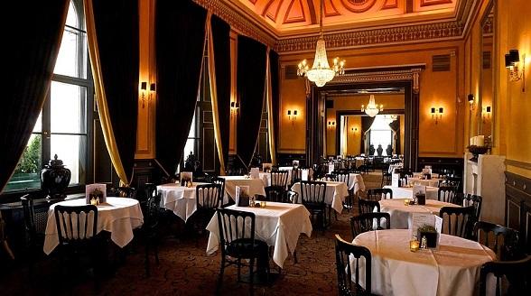Salón Georgian Tea Room del restaurante The Dome en Edimburgo