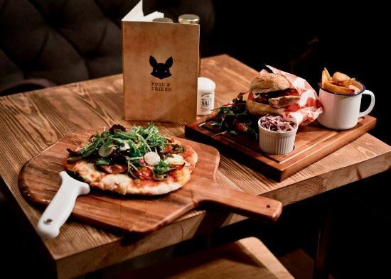 Pizzas artesanas en el pub Black Fox de Edimburgo