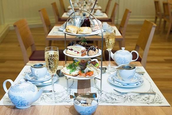 Afternoon Tea en la cafetería del palacio de Holyrood en Edimburgo