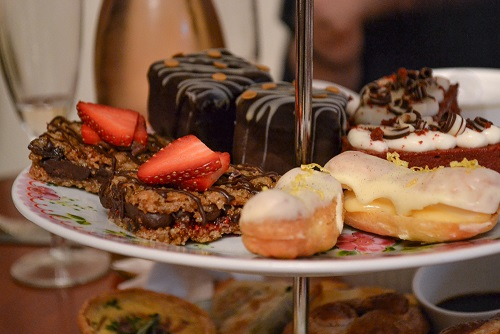 Dulces del afternoon tea en Casa Angelina en Edimburgo