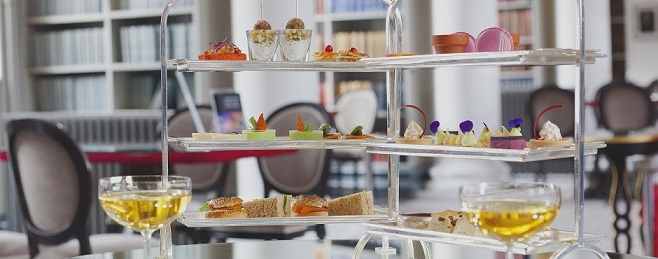 Afternoon Tea en el Colonnades (Signet Library) en Edimburgo