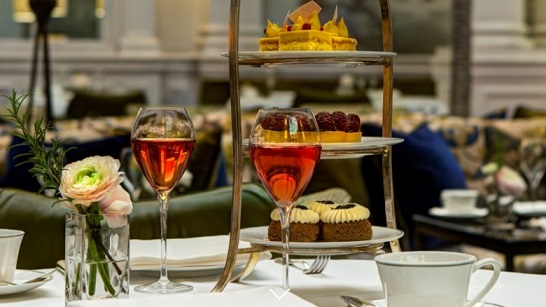 Afternoon Tea en el Palm Court del Hotel Balmoral en Edimburgo