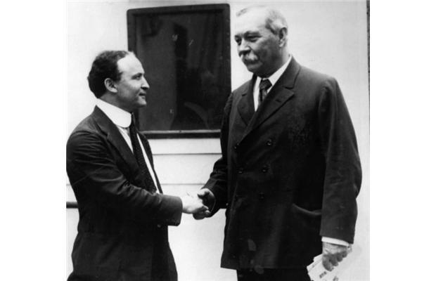 La amistad rota entre Harry Houdini y el escocés Arthur Conan Doyle